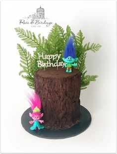 Sharing something a little different today as we celebrate my big boy's 5th birthday. He absolutely loves Trolls and designed his cake himself, a comletely edible tree trunk with yummy chocolate bark and a rainbow surprise inside :) <3 xx