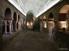 Món Sant Benet és un conjunt únic on trobareu un monestir medieval a escassos metres dun innovador centre internacional de recerca en cuina tot en un entorn natural incomparable.