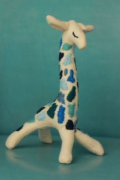 Embroidered Giraffe via etsy   https://www.etsy.com/listing/172221871/embroidered-giraffe?utm_campaign=Share&utm_medium=PageTools&utm_source=Pinterest