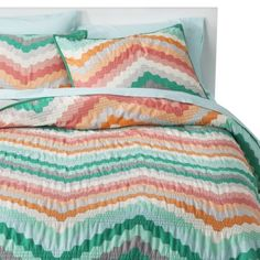 Room Essentials Chevron Quilt