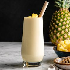 This healthy Pineapple Smoothie recipe is easy to make with only 5 ingredients in 5 minutes! One sip of this pineapple banana smoothie will make you feel like you're on a tropical island, it's like a beach vacation in a glass! Plus it's dairy-free! Zucchini Smoothie, Fruit Smoothies, Pineapple Smoothie Recipes, Easy Smoothie Recipes, Easy Smoothies, Juice Smoothie, Smoothie Drinks, Healthy Recipes, Orange Banana Smoothie Recipe