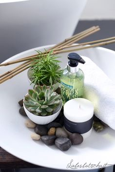Diy tips to create a relaxing zen space in your home feng shui pinterest zen space and spaces - Zen toilet decoratie ...