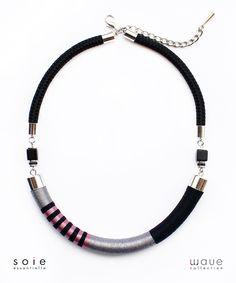 Wave nyaklánc – szürke/fekete/rózsaszín – metál