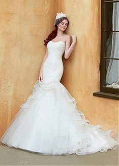 ENCHANTING TULLE MERMAID SWEETHEART NECKLINE NATURAL WAISTLINE WEDDING DRESS IVORY WHITE LACE BRIDAL GOWN