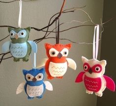 owl christmas tree ornaments felt homemade baby gifts - would also make a wonderful crib mobile! Owl Crafts, Diy And Crafts, Crafts For Kids, Hanging Ornaments, Felt Ornaments, Christmas Ornaments, Christmas Decor, Holiday Crafts, Holiday Fun