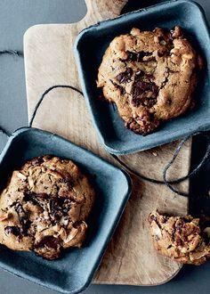 Lav skønne cookies, der indeholder alt det, der gør cookies gode, saftige og sprøde!