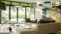 Extension réussie avec esprit loft - Côté Maison Extension, Loft, Couch, Windows, Furniture, Home Decor, Home Decoration, Bay Windows, Spirit