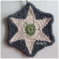 Ravelry: Star Hexagon pattern by Atty van Norel Crochet Stars, Crochet Blocks, Crochet Motif, Diy Crochet, Crochet Crafts, Crochet Flowers, Crochet Projects, Crochet Patterns, Crochet Granny