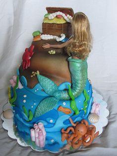Barbie mermaid cake, via Flickr.
