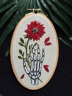 Een persoonlijke favoriet uit mijn Etsy shop https://www.etsy.com/listing/259413035/embroidery-hoop-skeleton-with-flower