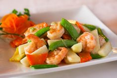 Shrimp Stir Fry - A healthy option for your Yes You Can! Diet Plan dinner Shrimp Stir Fry - A healthy option for your Yes You Can! Healthy Options, Healthy Dinner Recipes, Diet Recipes, Simple Recipes, Healthy Meals, Shrimp Stir Fry, Clean Eating, Healthy Eating, Asian Recipes