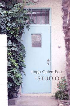 玄関・スタジオ・レトロな建物