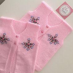İşmeliler çifter çifter gidiyor . #siparişalınır #bebekhırkası #bebekyelegi #elitbebek #crochet #örgü #örgümüseviyorum #bebekhazırlıkları #babyshower #hamileanneler #alışveriş #örgübebek #örgümodeli #elemeğigöznuru #elemeği #knittinglove #babyknitwear #knitting #dogumhazirliklari #nakoiplikleri #bebekpatigi #suveter #süveter @10marifet #EllerimleÖrdüm #nakoiplikleri #işlemeliyelek