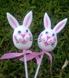 Easter bunnies #cakepops #Easter #bunnies