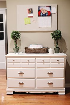 This old dresser makeover might make you rethink throwing away neglected furniture! Check out this Thrifty DIY Dresser Makeover. This tutorial will show you helpful tips on how to fix up a dresser that looks worse for wear. My Furniture, Repurposed Furniture, Furniture Projects, Home Projects, Painted Furniture, Refurbishing Furniture, Bedroom Furniture, Diy Dresser Makeover, Furniture Makeover