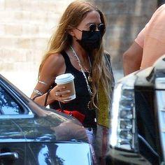 Olsen Fashion, Celebrity Fashion Outfits, Star Fashion, Celebrity Style, Celebrities Fashion, Ashley Olsen Style, Olsen Twins Style, Mary Kate Ashley, Mary Kate Olsen