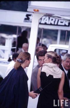 Carolyn Bessette Kennedy and JFK jr Los Kennedy, John Kennedy Jr, Carolyn Bessette Kennedy, Jfk Jr, Women In America, It's All Happening, John Junior, Calvin Klien, John Fitzgerald