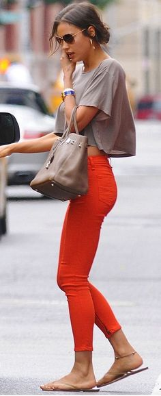 Street style | Orange skinnies and loose grey crop top | Just a Pretty Style