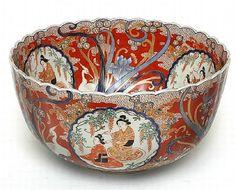 A large Japanese Imari Porcelain Bowl. Meiji period. 1868 -1912.