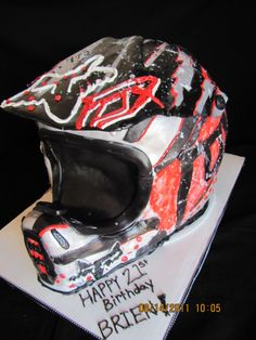 dirt bike helmet cake!! this would be great for my bestfriend Ty#927 !!!!