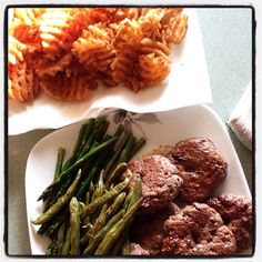 #chefdarrick makes ground brisket burgers, grilled asparagus and green beans, and waffle fries #woolleymarket #shoplocal