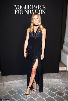 Bar Refaeli from The Big Picture: Today's Hot Pics The leggy model shows off her tan line at the Vogue Paris Foundation Gala at Palais Galliera. Star Fashion, Fashion Models, Vogue Fashion, Paris Fashion, Red Stiletto Heels, Palais Galliera, Daria Werbowy, Bar Refaeli, Chloe Dress