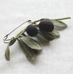 "howsanne: "" Lovely crochet pin or brooch. """