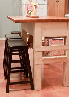 DIY Kitchen island (would want it wider and longer)