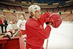 Bob Probert practices with the Red Wings in 1992.