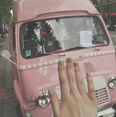 Le Boudoir des Cocottes, Nail Truck Mobile Nail Salon, Mobile Nails, Beauty Van, Nail Saloon, Mobile Spa, Mobile Beauty, Mobile Business, Gardenias, Beauty Lounge