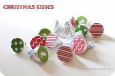 Add paper circles to the bottom of your kisses for a festive touch! #christmas #craft