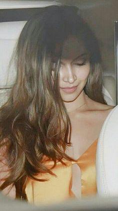 Indian Bollywood Actress, Beautiful Bollywood Actress, Beautiful Actresses, Indian Actresses, Deepika Padukone Dresses, Nidhi Agarwal Hot, Dipika Padukone, Celebrity Style Casual, Bollywood Outfits