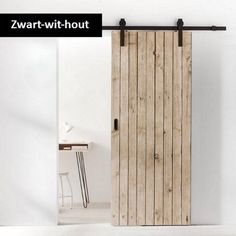 Tips voor het inrichten van een kleine woonkamer | Woonstijladvies.nl Workout Rooms, Tall Cabinet Storage, Kitchen Design, Sweet Home, New Homes, Room Decor, Indoor, Contemporary, Interior Design