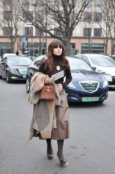 Some photos of Miroslava Duma, the first ones are from the past Paris Fashion Week season, the rest are from 2 seasons ago when she was pregnant. 2nd Outfit: Stella McCartney sweater dress and over the knee boots. 3rd Outfit: Valentino bird-embroidered blue cape. Over here you can find Sunday Inspiration on Miroslava Vol. 1 …