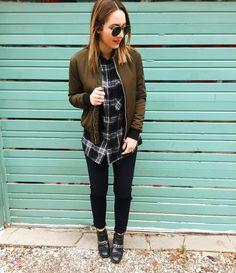 Beau p'tit look de transition de saison!  #lookdujour #ldj #ootd #bomber #coat #streetstyle #style #outfitideas #cestbeau #inspiration #onaime #regram  @toronto.style