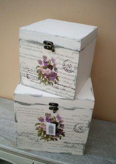 Risultati immagini per decoupage box ideas Decoupage Box, Decoupage Vintage, Painted Boxes, Wooden Boxes, Wooden Box Centerpiece, Altered Boxes, Altered Art, Hat Boxes, Pretty Box