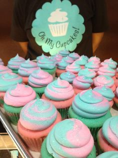 What's a Cotton Candy cupcake look like? Check this out!