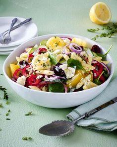 Unser beliebtes Rezept für Griechischer Nudelsalat mit Fetadressing und mehr als 55.000 weitere kostenlose Rezepte auf LECKER.de.