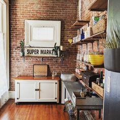 Breakfast table decorations exposed brick Ideas for 2019 Exposed Brick Kitchen, Exposed Brick Walls, Open Plan Kitchen, New Kitchen, Kitchen Layout, Country Kitchen, Kitchen Dining, Kitchen Ideas, Layout Design