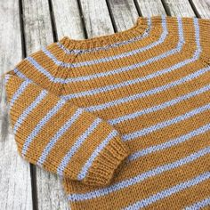 Image of Vuggestue Sweater Str. Baby Knitting Patterns, Baby Sweater Patterns, Knitting For Kids, Knitting Designs, Baby Vest, Knitting Wool, Boys Sweaters, Knit Fashion, Baby Sewing