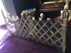 Fence w/Skulls on top