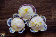 Hier seht ihr mega leckere Zitronen Cupcakes, welche wirklich nicht zu süß und das Zitronenaroma voll durch kommt. Das Rezept ist ganz einfach und ihr wisst ja sauer macht lustig. Das Video zum Bild seht ihr hier:  http://youtu.be/ONiY7mqB1yk  /// #natuerlichlecker #natürlichlecker #homemade #healtyfoodporn #yummy #inspiration #foodie #foodforfoodies #foodporn #food #eatclean #eatgreen #foodculture #kochen #backen #essen #lecker #sharefood #nomnomnom #yum #delicious #amazing
