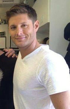 He has the sweetest face and I love it. Jensen, between the scenes of 9x02