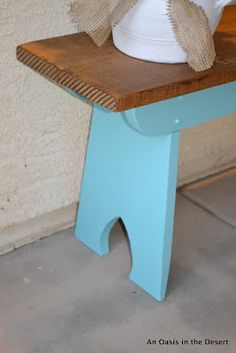 Bench - love this color contrast
