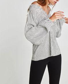 Image 6 of V-NECK T-SHIRT from Zara