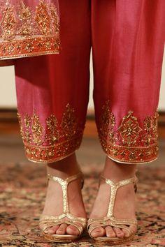 Pakistani Bridal Dresses, Pakistani Outfits, Eid Dresses, Stylish Dress Designs, Stylish Dresses, Embroidery On Clothes, Beaded Embroidery, Hand Embroidery, Embroidery Suits Design