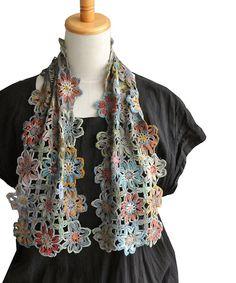 フランス ストール 鍵編み ウール フラワー パッチワーク。sophie digard ソフィーディガール BOHEMIAN RHAPSODY  SMALL Crochet Scarves, Fashion, Moda, Fashion Styles, Fashion Illustrations