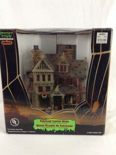 Lemax Spooky Town 2004 Trick Or Treaters Haven Halloween Lighted House Nice Look - SOLD