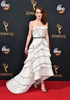 Michelle Dockery in Oscar de la Renta. Photo: Alberto E. Rodriguez/Getty Images