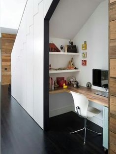 This desk tucked under the stairs features a wrap around desk, two wall mounted shelves, and a small filing cabinet - all the essentials you need for a functional home office. - 10 Small Home Office Ideas - Home Office Design, House Design, Office Designs, Workspace Design, Space Under Stairs, Office Under Stairs, Ikea Under Stairs, Cupboard Under The Stairs, Kitchen Under Stairs